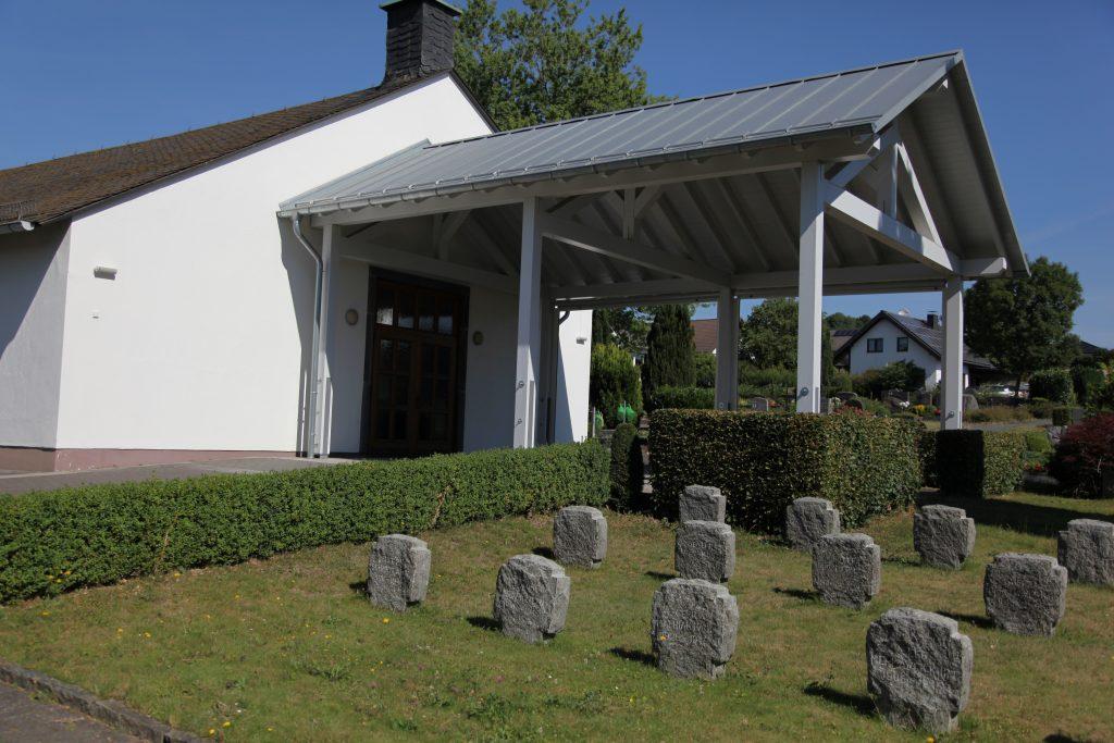Eingang Friedhofshalle